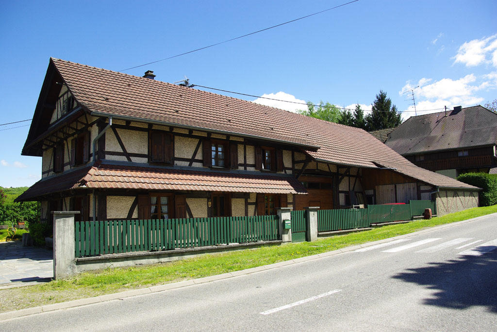 Maison colombage latest photo faades colores de maisons for Maison en colombage